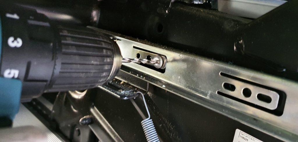 Nieten ausbohren - Remove rivet
